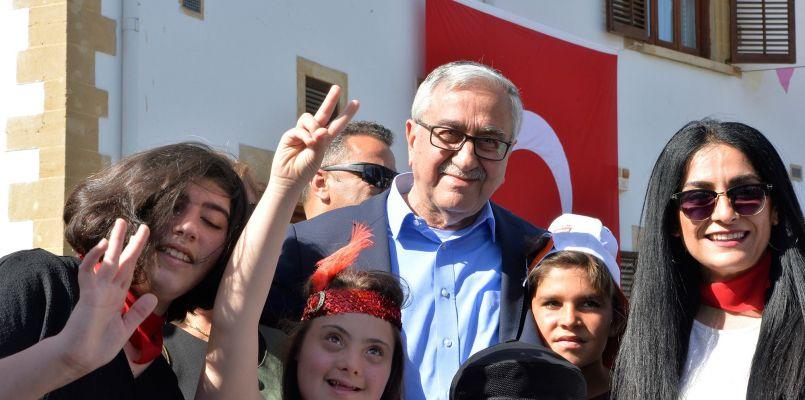 Kktc Cumhurbaşkanlığı Cumhurbaşkanı Akıncı çocuklara Seslendi